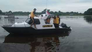 Kapolres Cek dan Uji Coba Kapal Patroli Baru Sat Polairud Polres Pelalawan