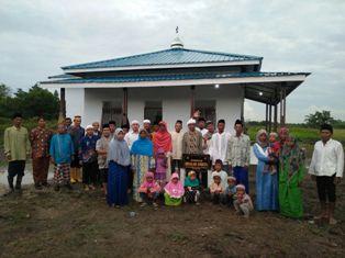 Penghujung Tahun, YPMR Pelalawan Resmikan Mesjid Muallaf di Penyalai