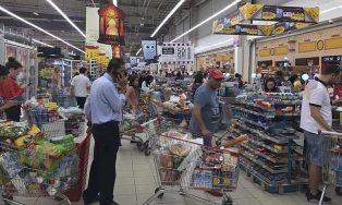 Qatar Krisis, Antrean di Supermarket Selama Empat Jam